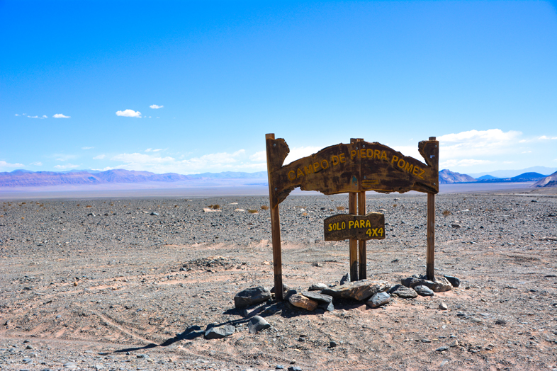 Antofagasta de la Sierra Catamarca Belen Argentine panneau entree campo de piedra pomez uniquement 4×4