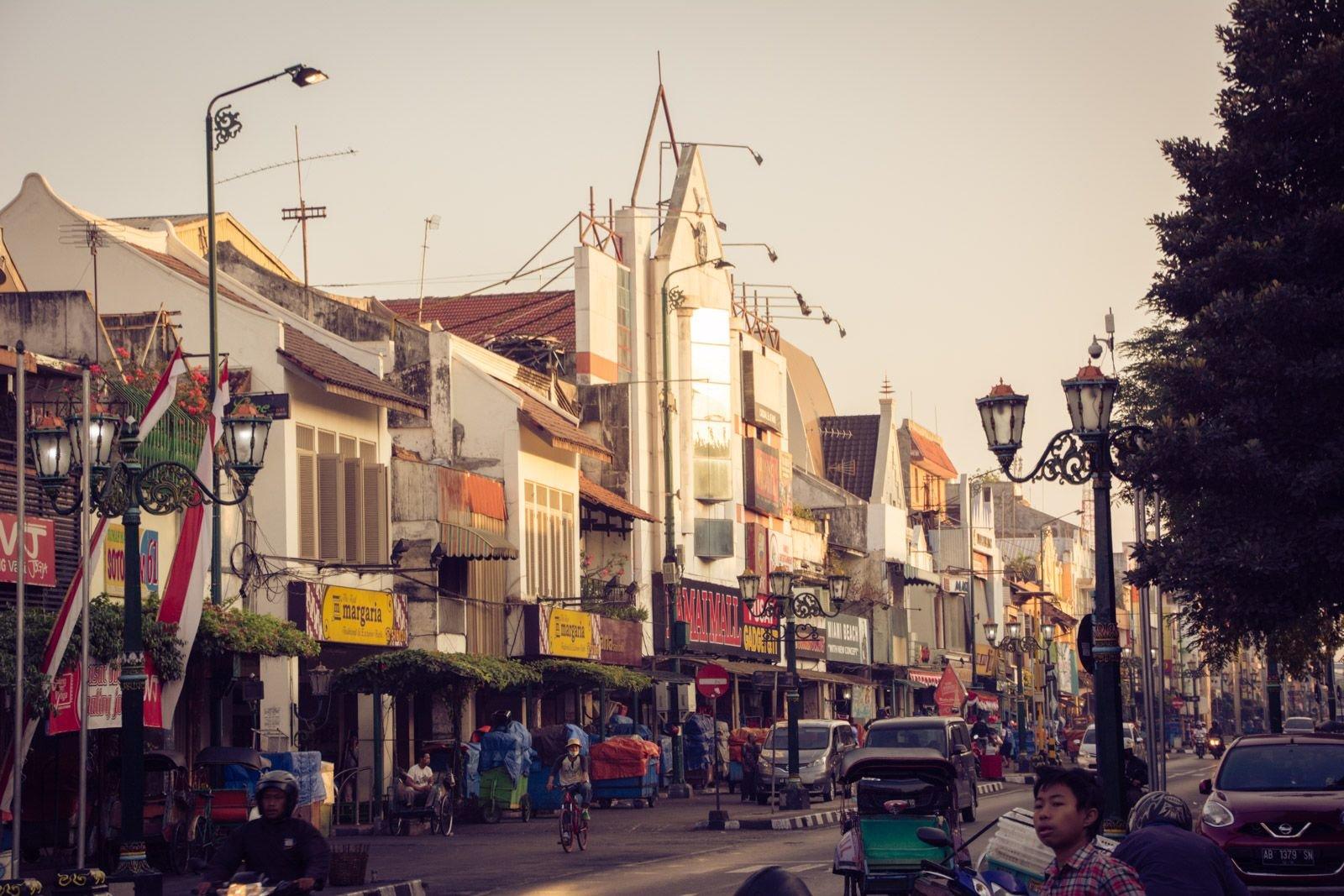 Yogyakarta site de rencontre introductions accrocheuses pour les sites de rencontre