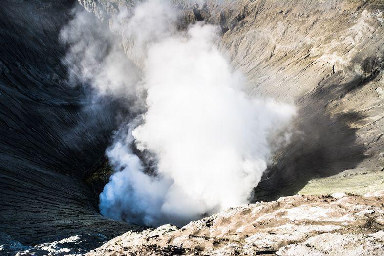 cratere du mont bromo en indonesie