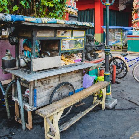 Cuisine mobile en Indonésie : le warung