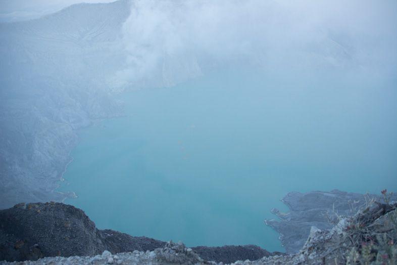 Kawa Ijen et son lac bleu