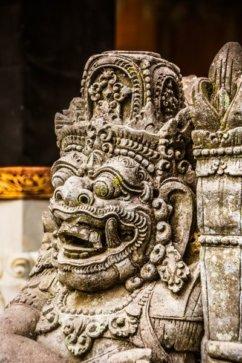 statue temple ubud