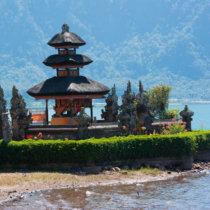 lac beratan et son temple bali