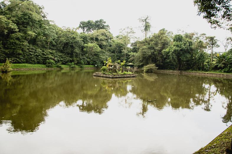 temple-batukaru-eau