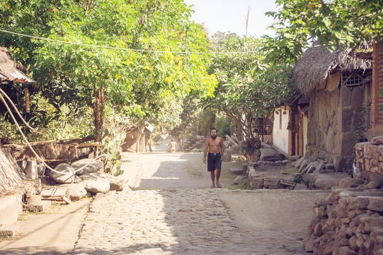 village tenganan homme