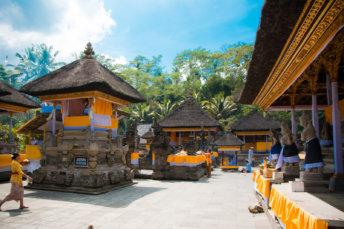 Temple Tirta Empul Cérémonie