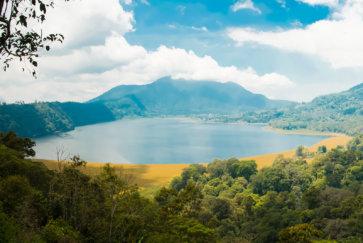 panorama lacs jumeaux bali indonesie tambligan buyan postshow