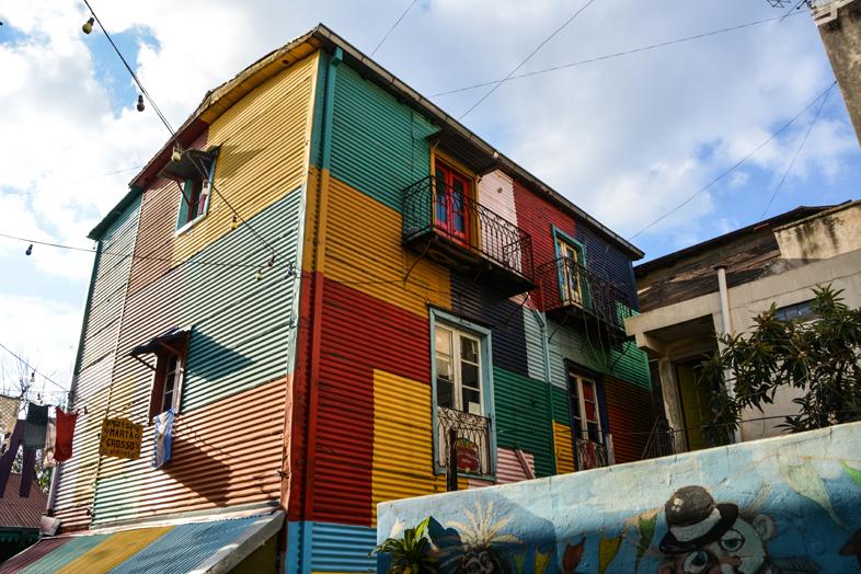 Vue dune maison dans le caminito ruelle du quartier de la Boca à Buenos Aires en Argentine