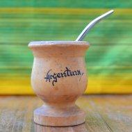 Mate et bombilla boisson traditionnelle Argentine classique en bois clair