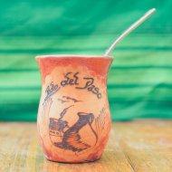 Mate et bombilla boisson traditionnelle Argentine en bois grave