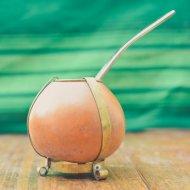 Mate et bombilla boisson traditionnelle Argentine en calebasse