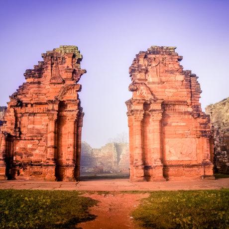 San-Ignacio-Misiones-Argentine-ruines-jesuites-porte-principale-eglise-postshow