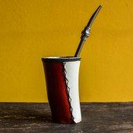 Mate et bombilla boisson traditionnelle Argentine mate en metal et cuir forme corne
