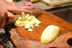 Recette des vrais empanadas argentins de salta les empanadas saltenas pommes de terre en cubes