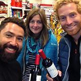 Voyage en Argentine blog amis a cordoba achat du vin pour la soiree internationale