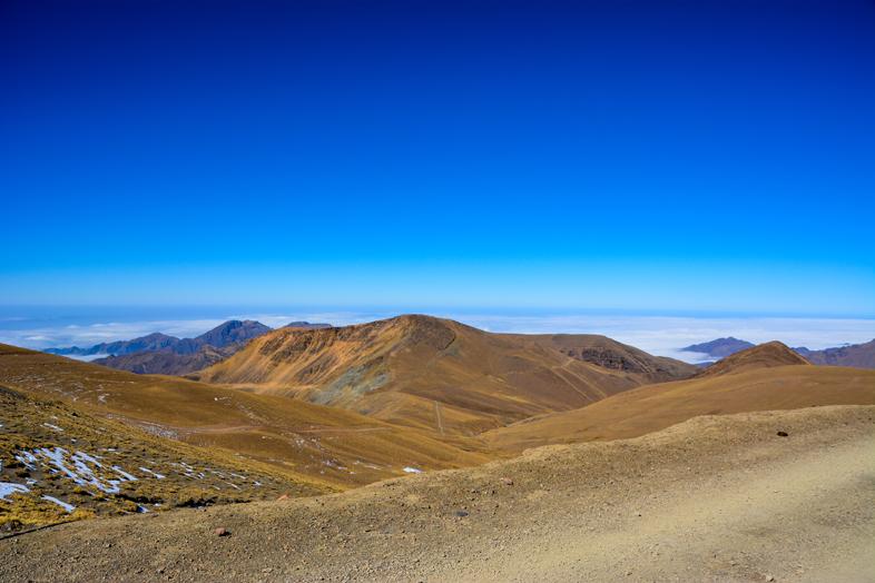 Chemin au dessus des nuages dans la puna Argentine sur le chemin de l'Inca