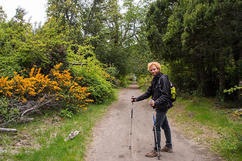 trekking bosque de los arrayanes villa la angostura neuquen argentine Tim prend la pose