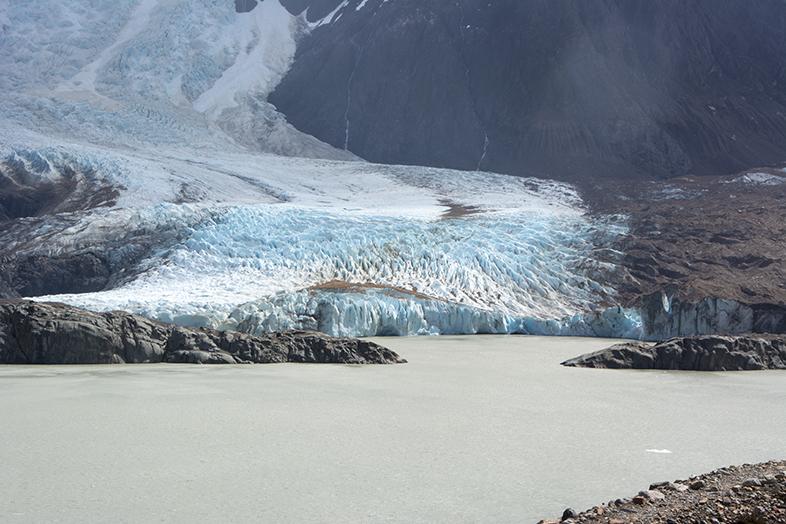 El Chalten trekking randonnee Laguna Torre Cerro Torre vue du glacier torre zoom en Argentine
