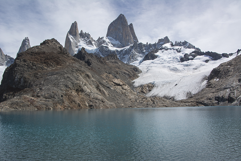 El Chalten trekking randonnee Mont Fitz Roy vue au raz de la laguna de los tres en Argentine