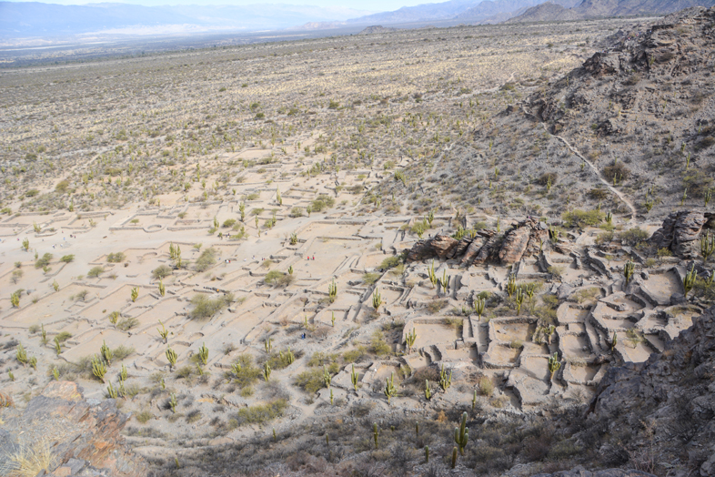Roadtrip Salta Argentine boucle sud ruines Quilmes route 40 vue haute