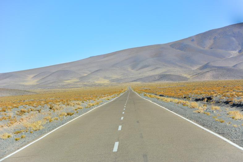 Antofagasta de la Sierra Catamarca Belen Argentine route droite vers la montagne