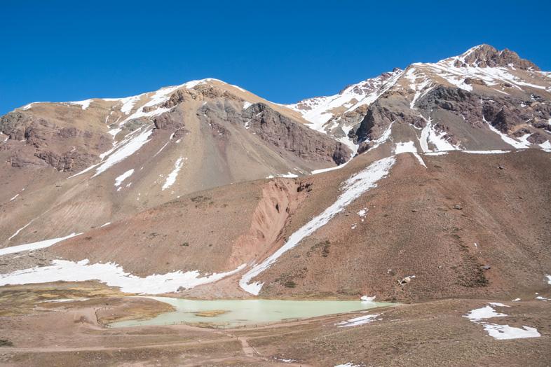 Mendoza-visiter-montagne-Aconcagua-Argentine-cordillere-andes-montagnes-et-laguna-de-los-horcones