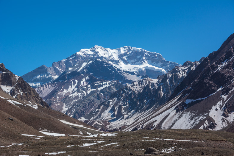 Mendoza-visiter-montagne-Aconcagua-Argentine-cordillere-andes-vue-de-Aconcagua