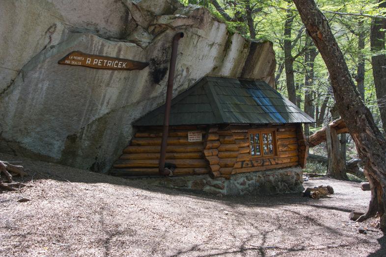 Refuge-Frey-randonnee-trekking-bariloche-argentine-refuge-piedrita-r-petricek