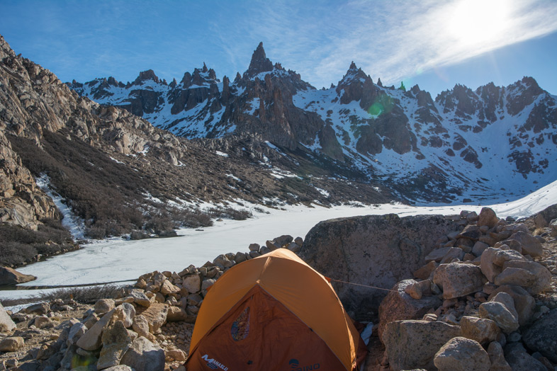 Refuge Frey randonnee trekking bariloche argentine tente montee camping frey campement bivouac