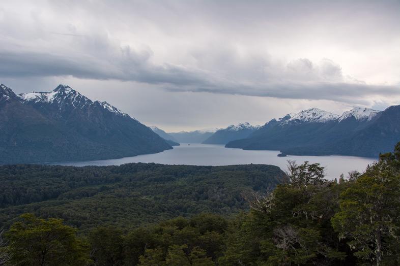 parque-cerro-llao-llao-bariloche-randonnee-trekking-argentine-point-de-vue-jour-gris