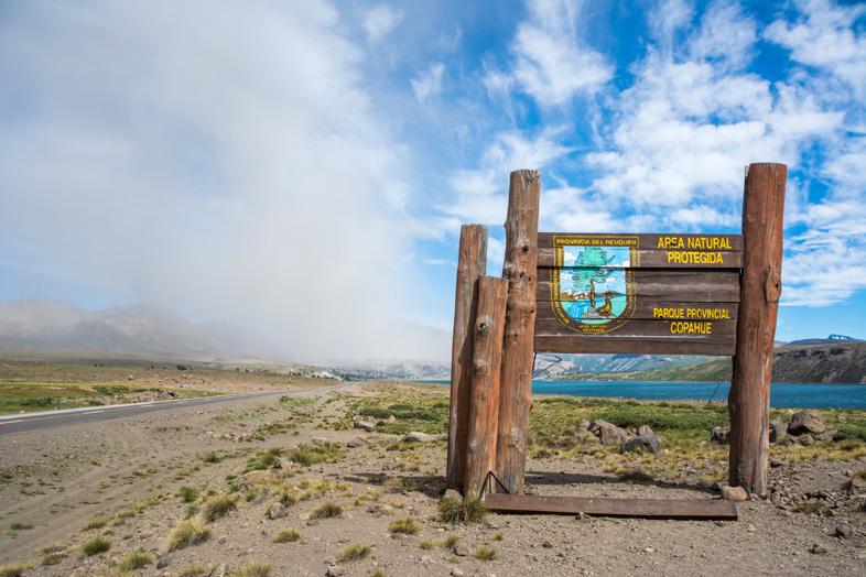 caviahue-copahue-parc-provincial-copahue-argentine-volcan-cendres