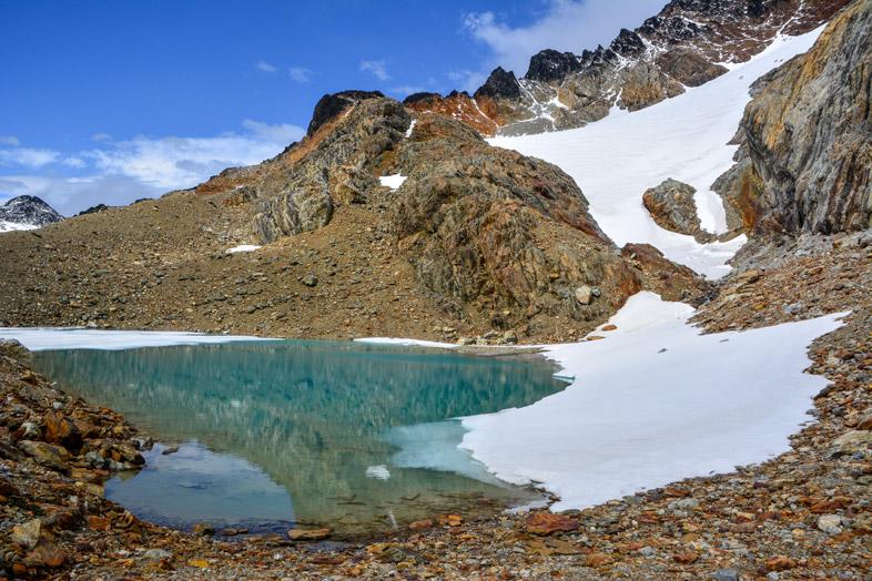 arrivee laguna belgica en partie gelee randonnee trek Ushuaia patagonie argentine