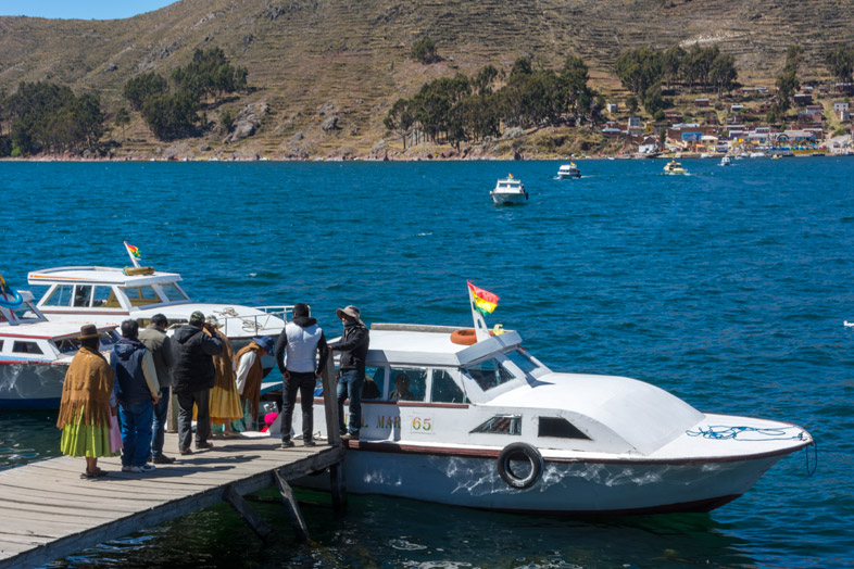 bateau traversee lac titicaca bolivie copacabana
