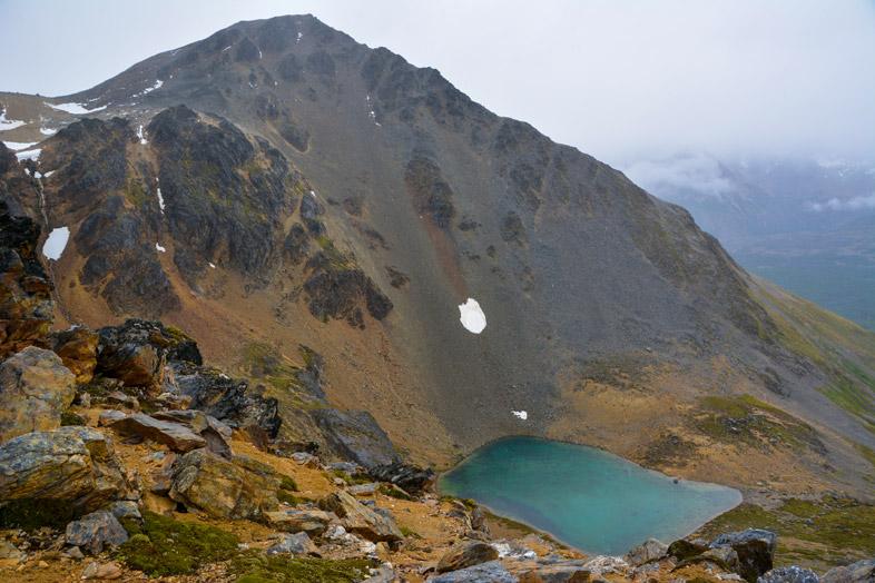 laguna turquesa vue en haut randonnee trek Ushuaia patagonie argentine