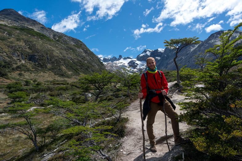 tim prend la pose sur le chemin de la laguna esmeralda randonnee trek Ushuaia patagonie argentine