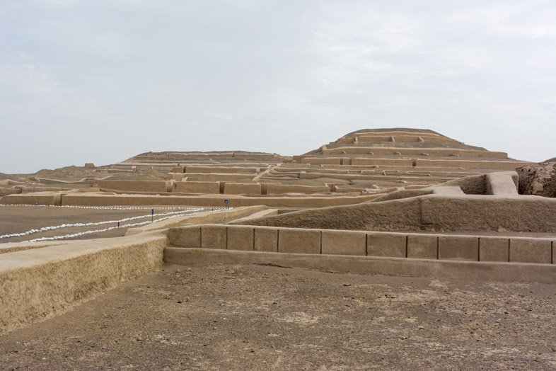 pyramide cahuachi tour buggy nazca perou voyage