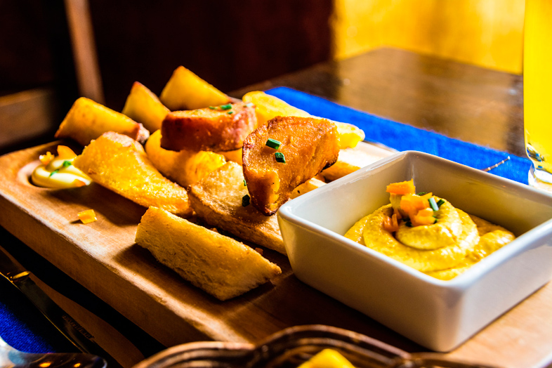 degustation pomme de terre chez Inkzuela restaurant à Cusco