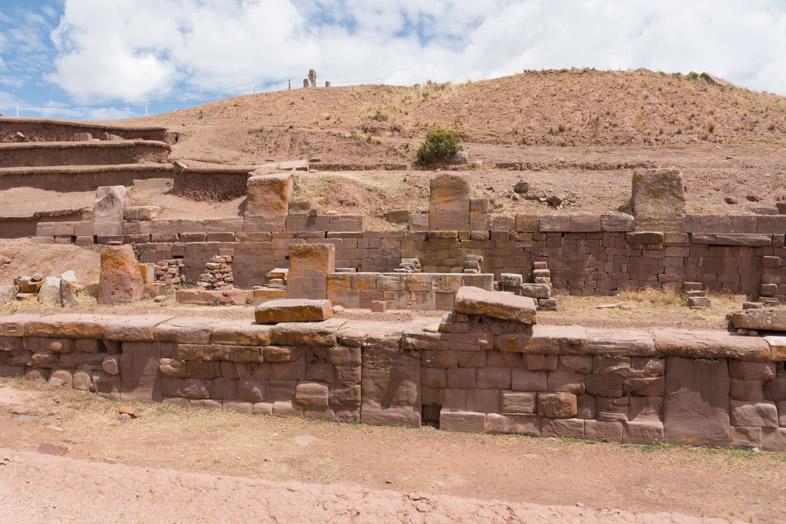 pyramide akapana bolivie tiwanaku