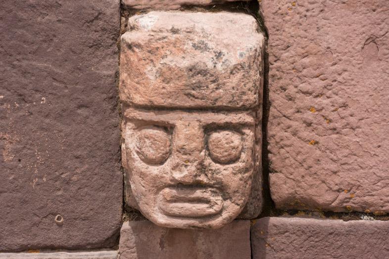 statue temple souterrain tiwanaku bolivie