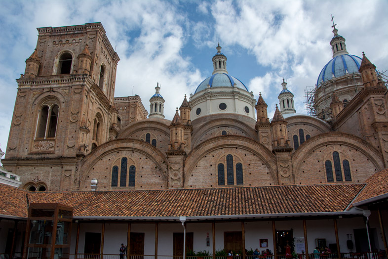 visite-de-cuenca-catedral-nueva-equateur