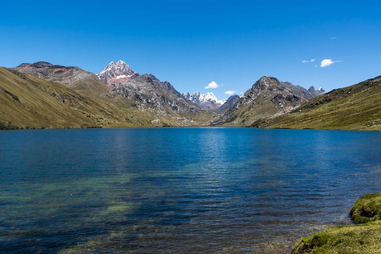 La lagune Queroccocha sur la route pour aller visiter Chavin de Huantar
