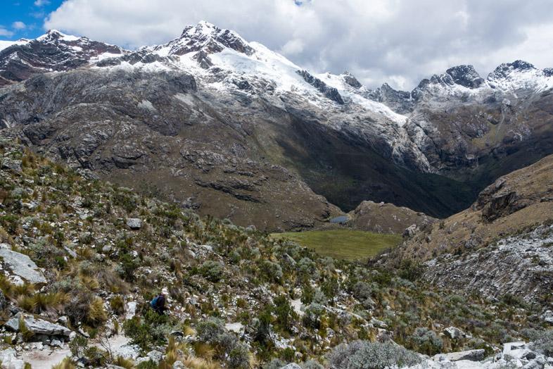 Vue depuis la Laguna 69 dans le Parc Huascaran au Pérou