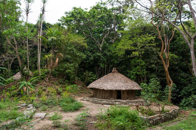 maison traditionnelle kogui chairama pueblito parc tayrona colombie