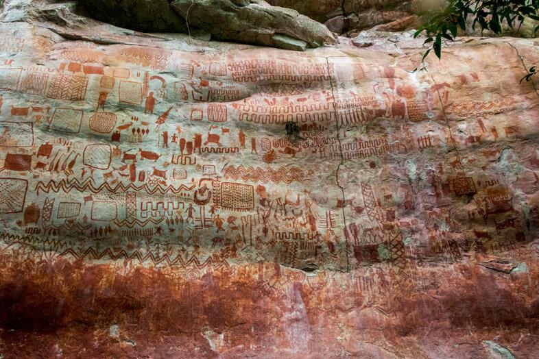 plus-belles-peintures-rupestres-cerro-azul-pinturas-san-jose-del-guaviare-colombie
