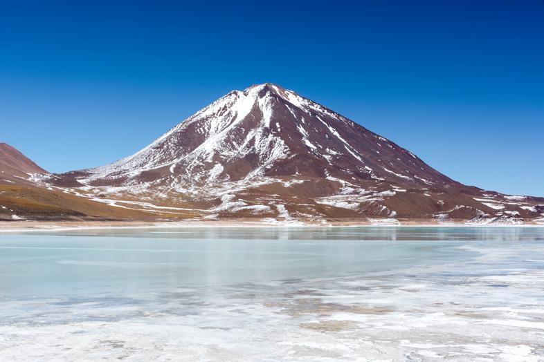 Laguna Verde Et Volcan Licancabur Dans Le Sud Lipez En Bolivie