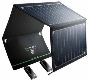 photo d'un chargeur solaire pliable avec deux prises USB