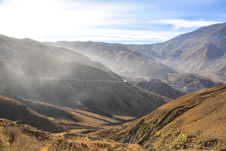 Route De La Boucle Sud De Salta Avec Beaucoup De Poussieres
