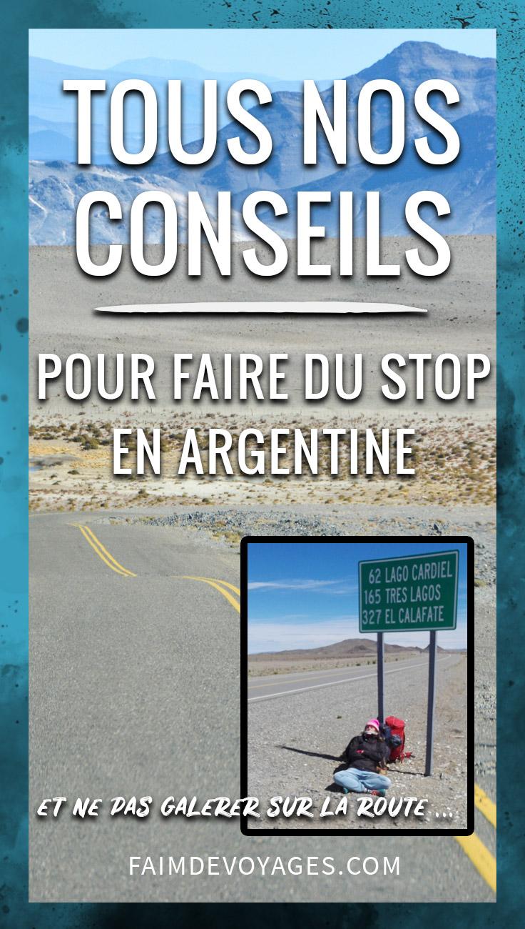 Une Auto Stoppeuse Sur La Route En Argentine
