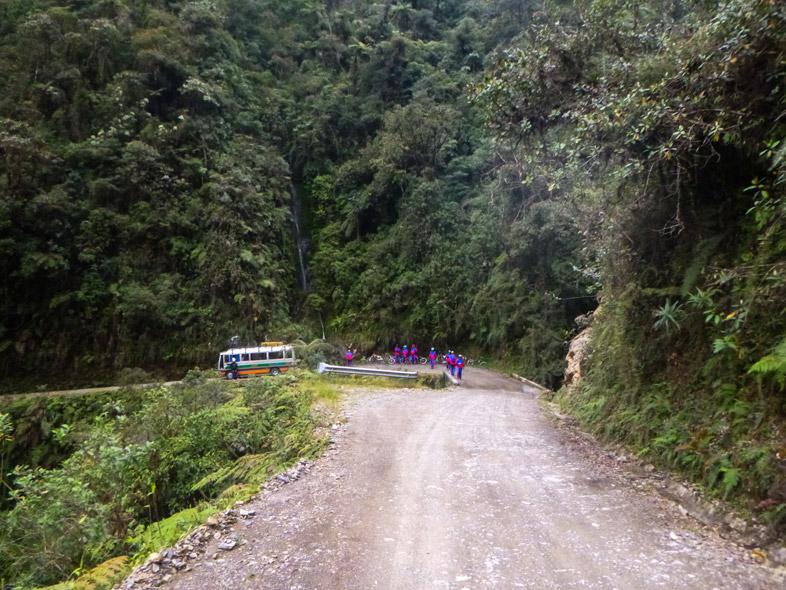 Vue Sur Une Partie De La Route De La Mort Bolivienne