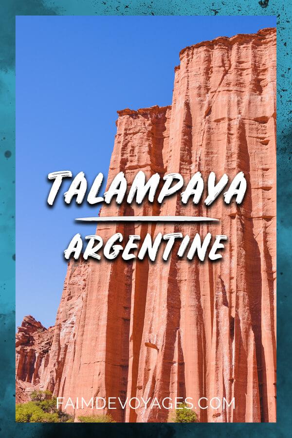 Falaise Rouge Dans La Parc National Talampaya En Argentine
